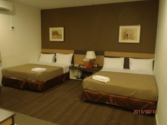 LEO Express Hotel:                   2 king-size bed