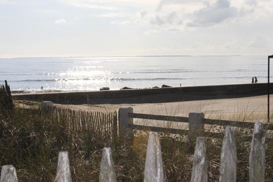 Gites in Angles :                   the beach down the road in Autumn