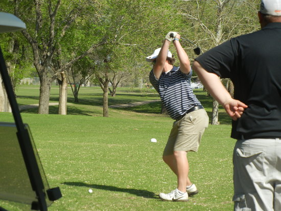 Enid, Οκλαχόμα:                   Tree-lined Meadowlake Golf Course is a challenging layout for golfers of all s