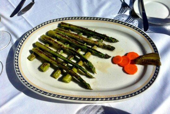 La Taberna del Sacristan: Fresh grilled green Asparagus