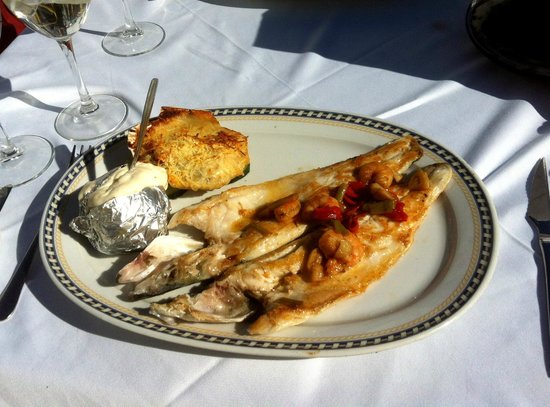 La Taberna del Sacristan: Fresh grilled Seabass