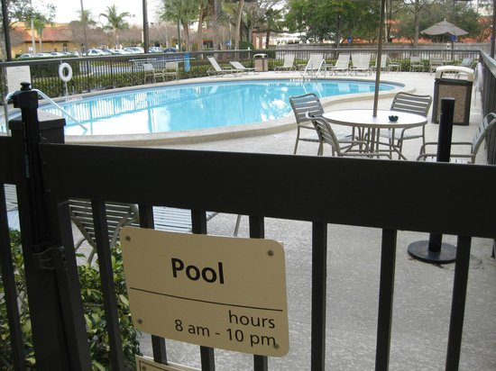 Hampton Inn Tampa International Airport / Westshore: Outdoor pool