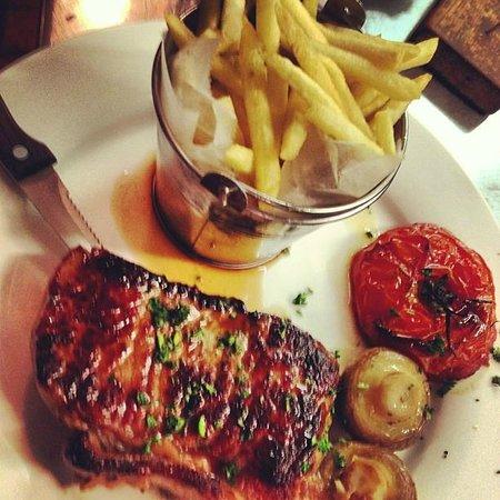 La Tavernetta:                   Steak & fries