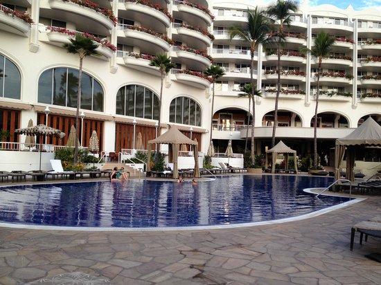 Fairmont Kea Lani, Maui:                   Hotel exterior