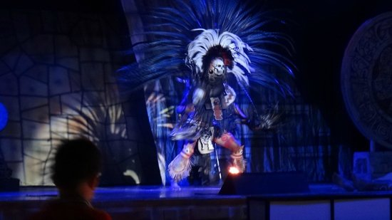 IBEROSTAR Paraiso Del Mar:                   One of the nightly shows
