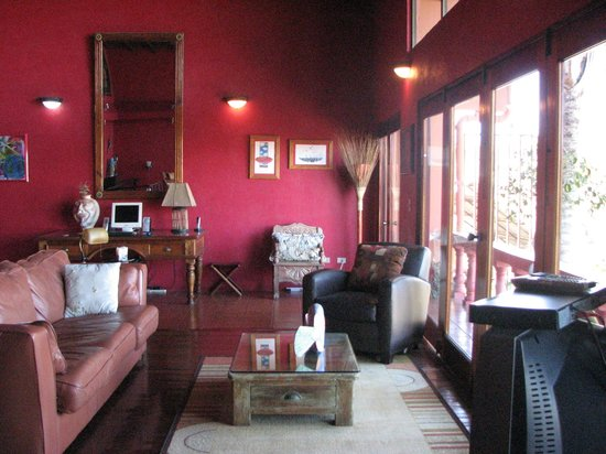 Casa Bella Rita Boutique Bed & Breakfast :                   Living area upstairs