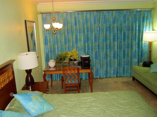 "Oyster Bay Beach Resort : Nice new furnishings in this 4th Floor Oceanside ""Studio"""