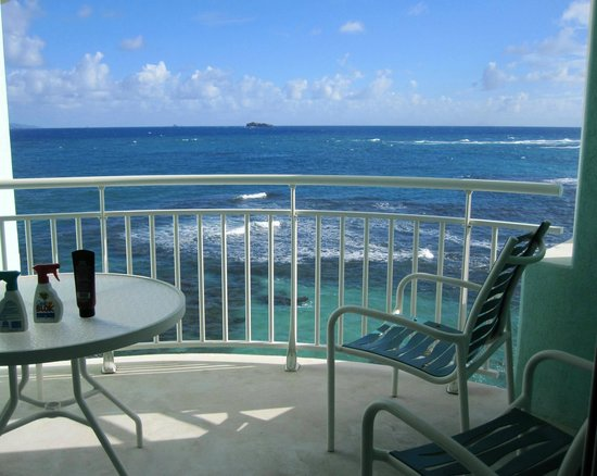 Oyster Bay Beach Resort: Our 4th Floor Oceanside Balcony View