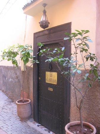 Riad Mur Akush: Entrance to Riad