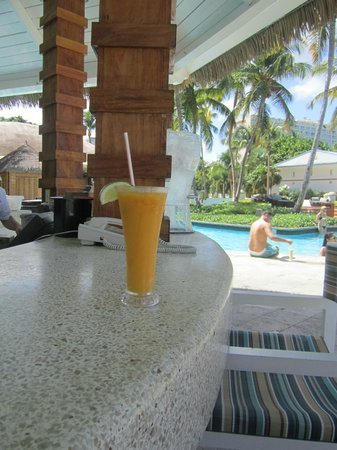 El San Juan Resort & Casino, A Hilton Hotel:                   cabana bar by the pool