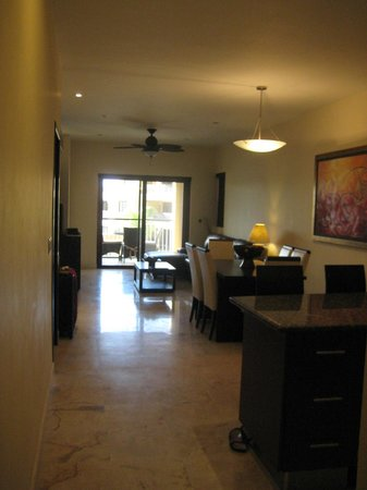 Residences El Faro:                   Suite from entrance