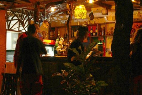 Posada Olmito :                   Bar