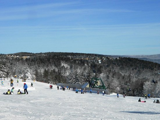 ‪‪Snowshoe Mountain Resort‬: Ski Area near The Village‬