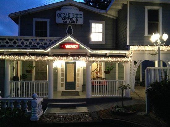 Ocean Echo Inn & Beach Cottages: Christmas at Ocean Echo Inn