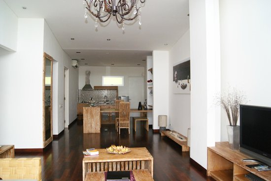 The Seiryu Villas:                   The Dinning & Kitchen Area
