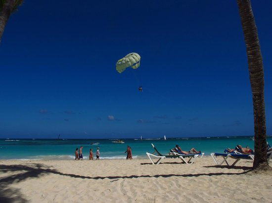 Hotel Riu Palace Punta Cana:                                     View from our chairs on the beach