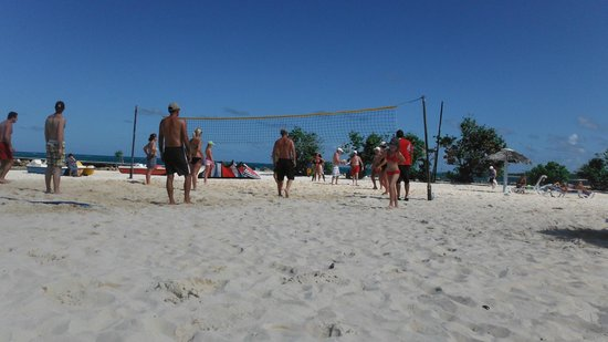 Brisas Guardalavaca Hotel:                   beach volleyball area