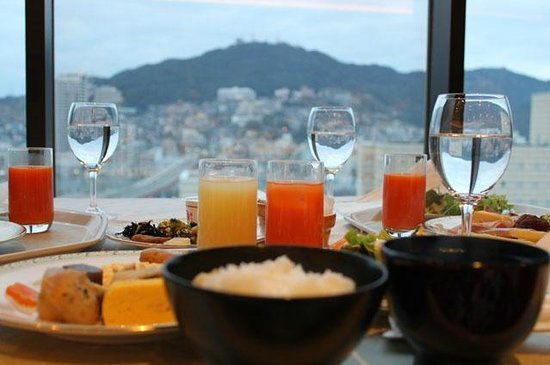 Hotel New Nagasaki:                   breakfast & view of Inasayama