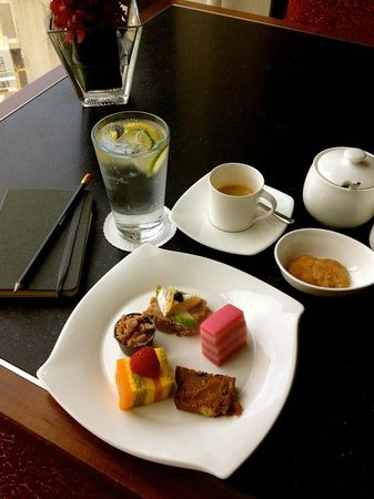 Mandarin Oriental, Singapore:                   the Oriental Club lunch