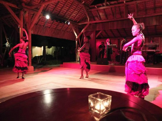 Sofitel Mauritius L'Imperial Resort & Spa:                   Entertainment