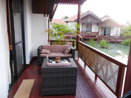 Suites and Sweet Resort Angkor:                   Awesome balcony