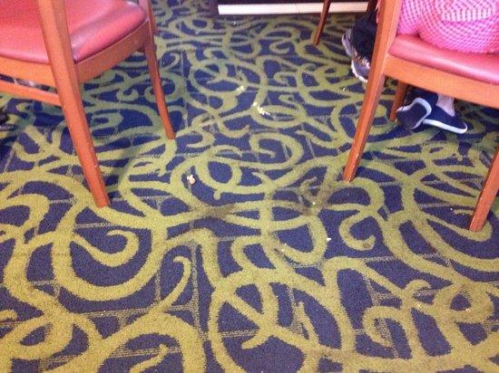 Quality Inn Miami Airport:                   la alfombra es un asco