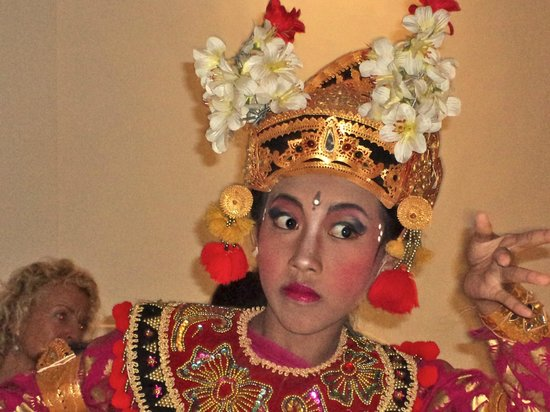 White Lotus Yoga & Meditation Centre: Legong Dance