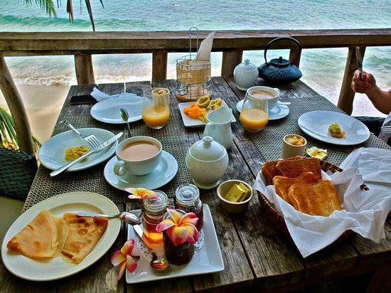 Bliss Hotel Seychelles:                   Breakfast on our balcony
