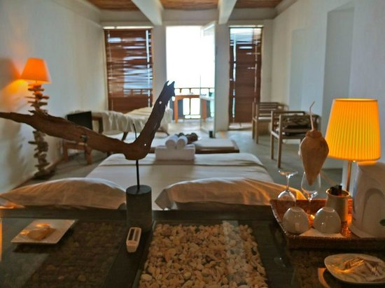 Bliss Hotel Seychelles:                   Our room - the Birgo Suite - beautiful! :)