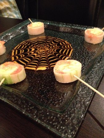 Hanabi: Spider Rolls which are to die for.
