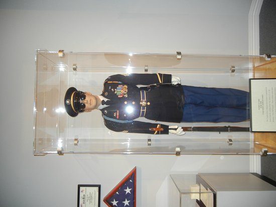 National Museum of Funeral History: Guard Uniform