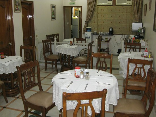 Bajaj Indian Home Stay:                   Daily dining area