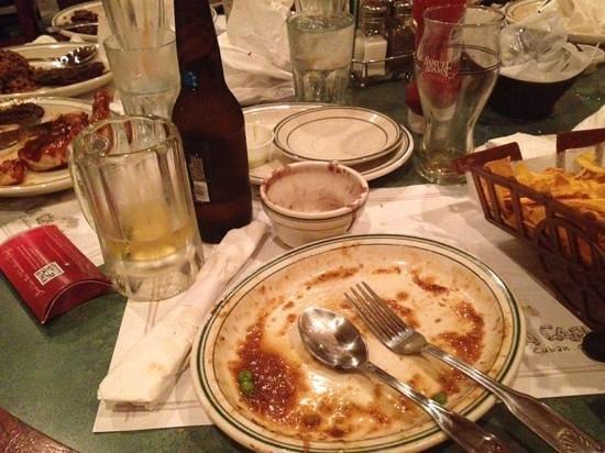La Carreta Restaurant:                   empty. what else can you ask?