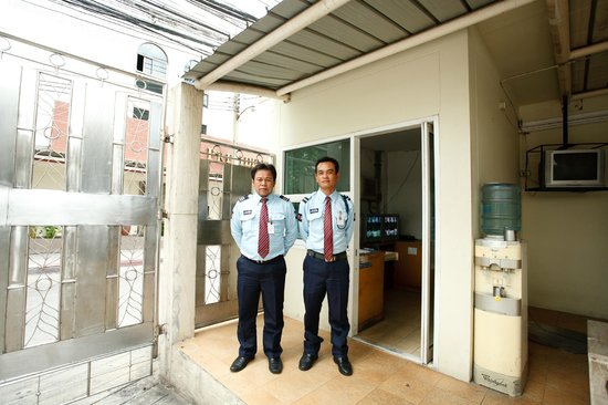 Chaidee Mansion Sukhumvit: 24-Hour Security Guards