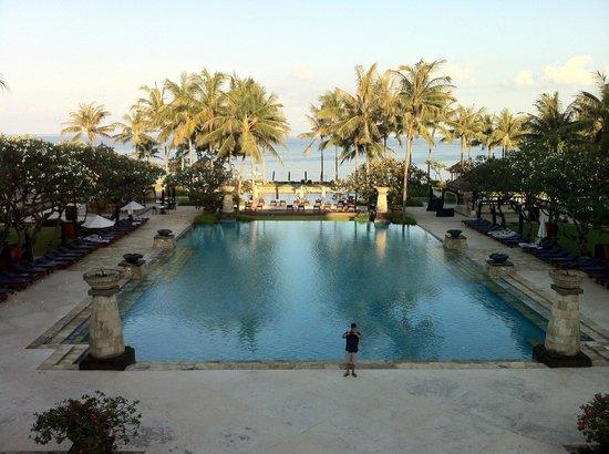 Conrad Bali:                                     Pool