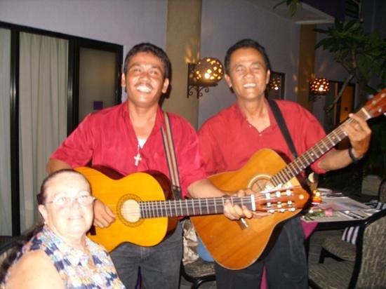 Kuta Central Park Hotel:                   vallentine dinner with music