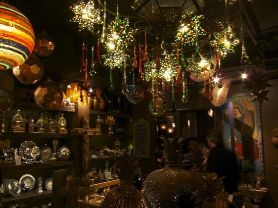 Elvira's: more eclectic lighting