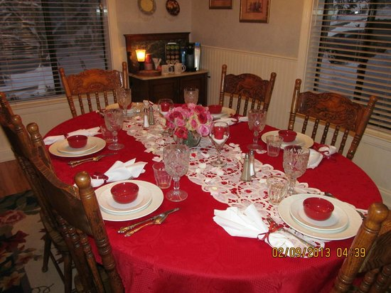 Serendipity Ranch Bed and Breakfast:                   Dining room set up for breakfast