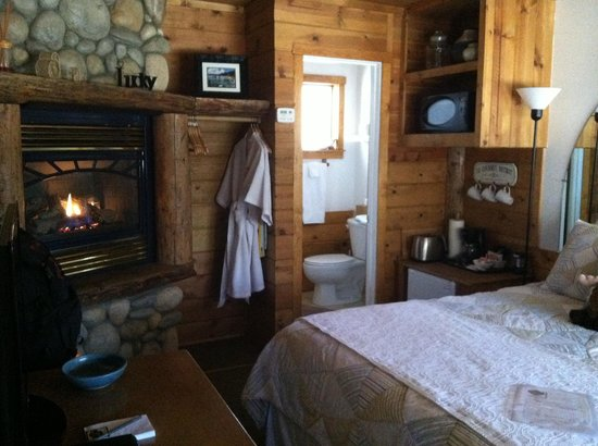 Heavenly Valley Lodge Bed & Breakfast:                   Home away from Home