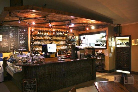 Ironique Cafe and Bar: Ironique bar