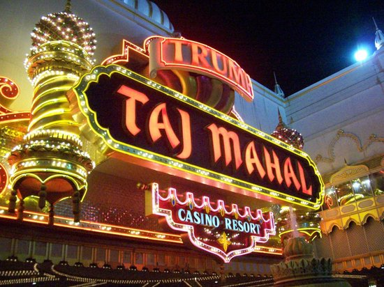 Trump Taj Mahal:                   Taj Mahal Main Entrance at Night