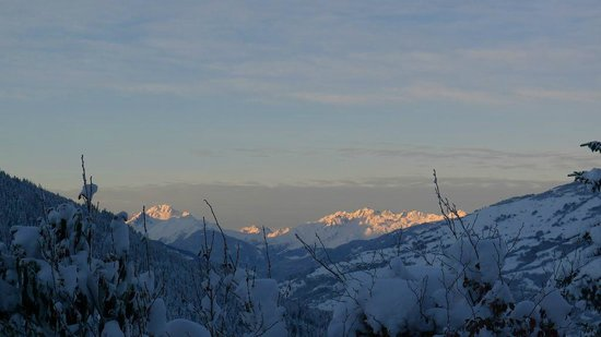 Chalet Montperron:                   Clear, crisp morning