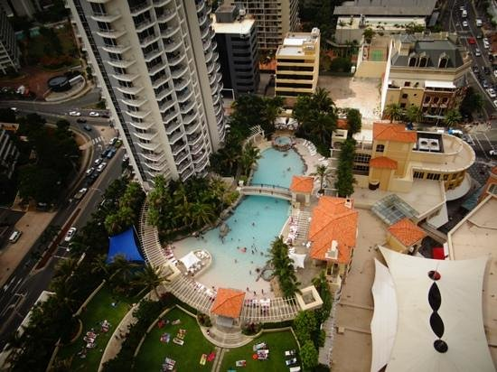 Mantra Towers of Chevron:                   pool