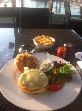 Nassima Royal Hotel:                   hamburger by the pool delicious