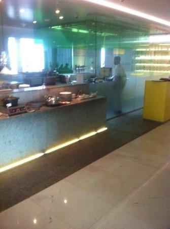 Nassima Royal Hotel:                   buffet level m