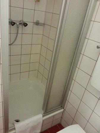 Hotel KUNSThof: Dettaglio doccia