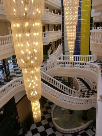 Cleopatra Palace Hotel:                   внутреннее убранство отеля