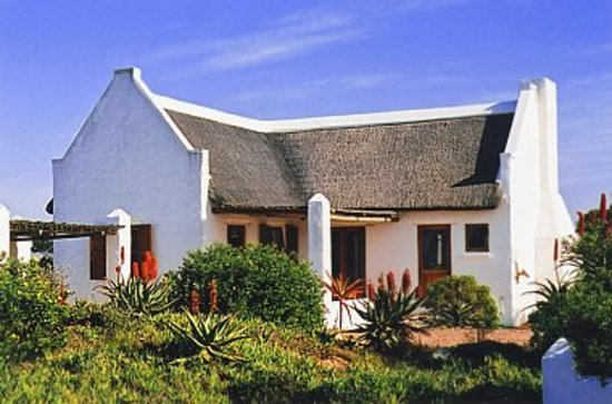 Sandpiper Guest Cottages and The Oystercatcher Trail: Voorhuis