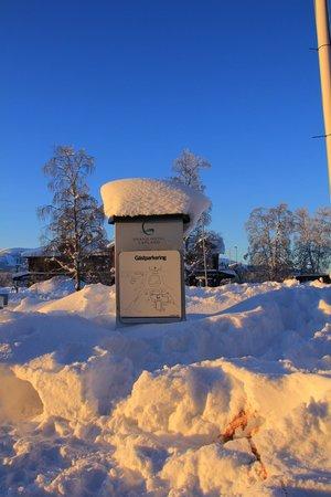 Quality Hotel Lapland:                   Parkplatzschild mit Tradition