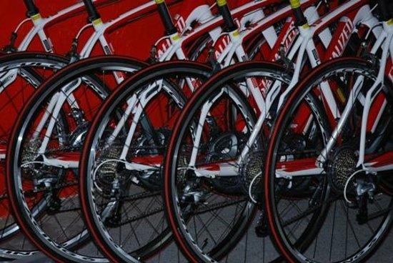 Luberon Biking  Tours : SPECIALIZED Carbone Road Bike Light  Mont Ventoux tripleShimano free